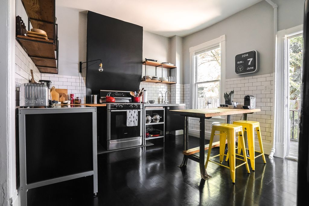 contemporary-kitchen-with-subway-tile