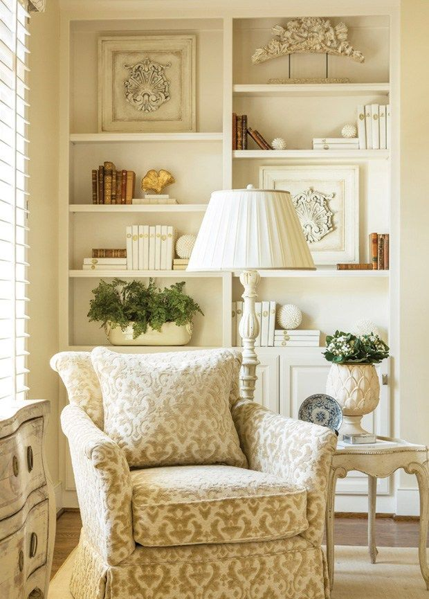 classic-traditional-living-room-design