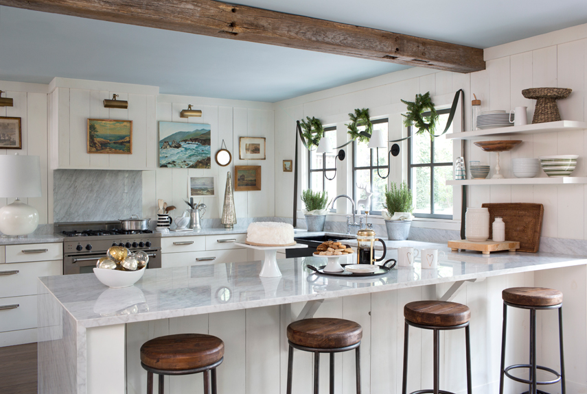 comfortable-farmhouse-kitchen