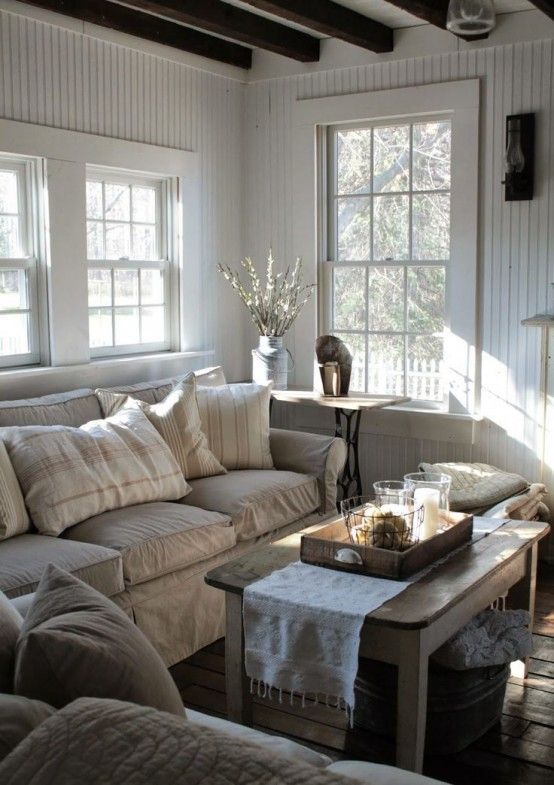 comfy-farmhouse-living-room