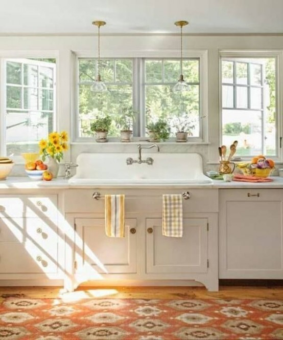 cozy-farmhouse-kitchen