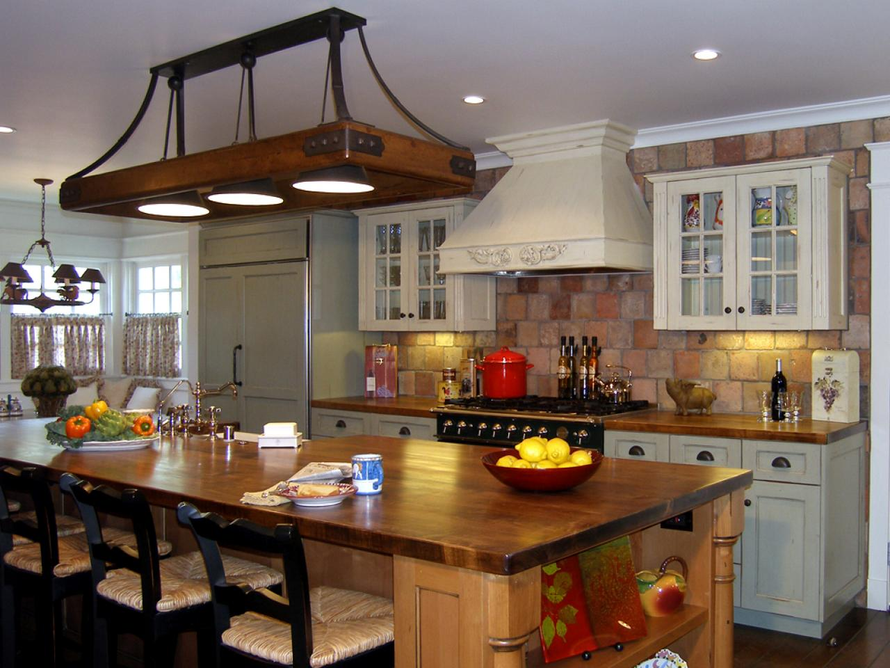 creating-a-traditional-kitchen