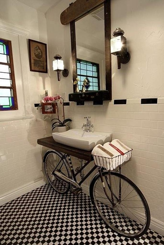 creative-industrial-bathroom