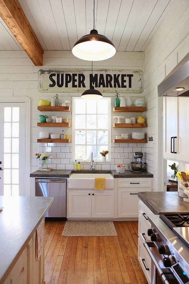 farmhouse-kitchen-style-with-open-shelves