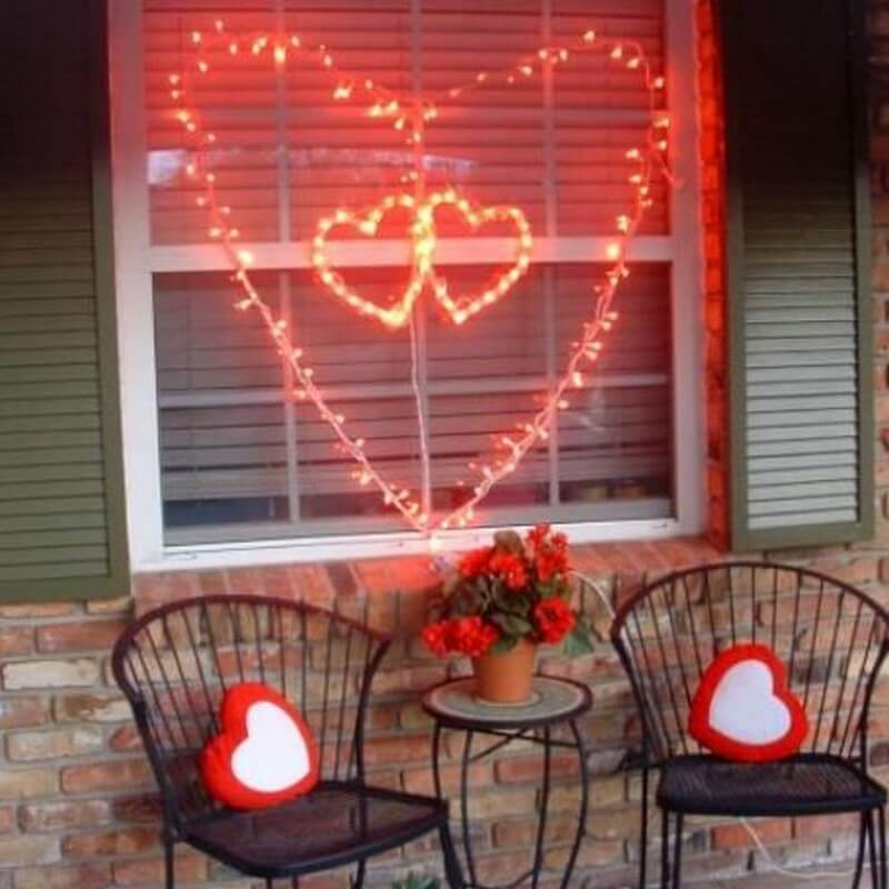 super-lovely-outdoor-valentines-decor