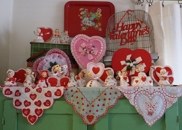 vintage-valentines-decorations-3