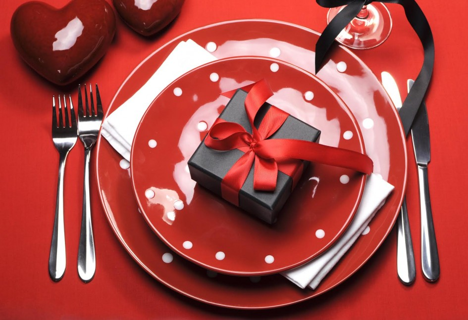 awesome-valentine-decoration-for-dining-room