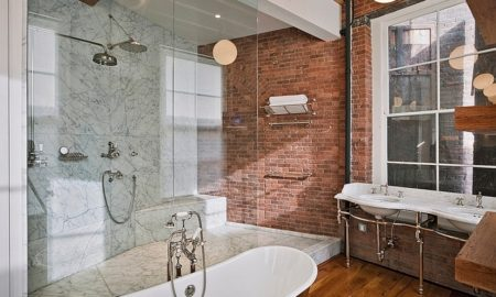brick-in-the-industrial-bathroom
