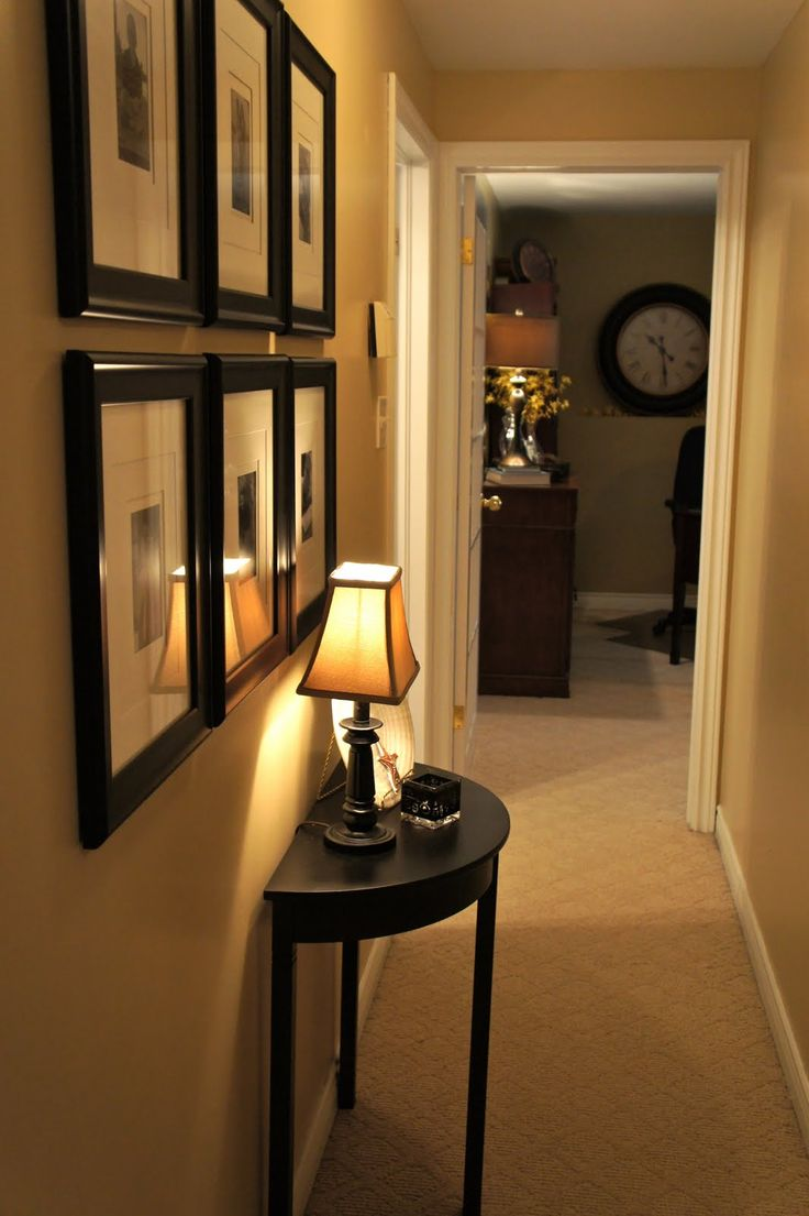 decorate-a-narrow-hallway