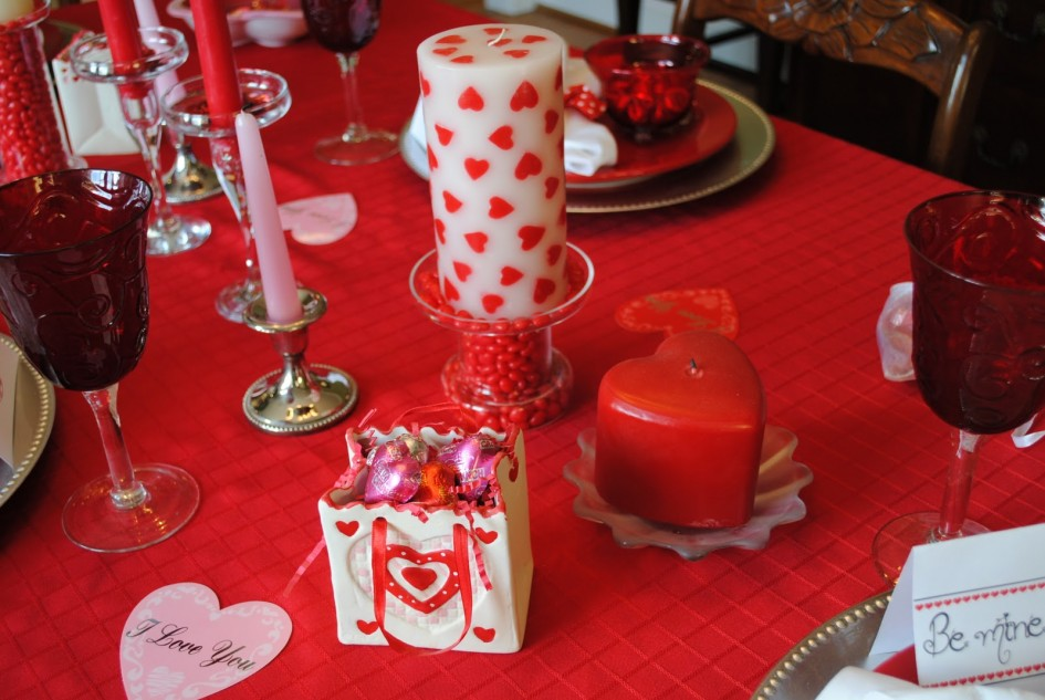 impressive-valentines-day-dining-room-decoration