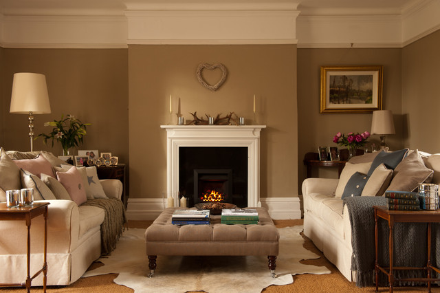 traditional-living-room-fireplace